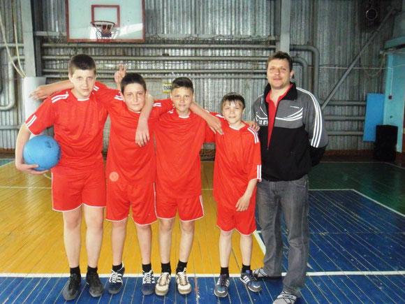 Победители зонального турнира по стритболу.