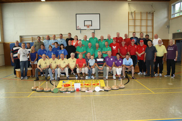 Iserlohner Bossler 2012 : BSG Iserlohn - TV Griesenbrauck - TG Hemer - RC Pfeil 07 - DJK Eintracht Grüne - BBZ Iserlohn - VfK-Damen - VfK-Herren - VfK-Stadtwerke - VfK  Ü50 Volleyball - VfK-Familie - VfK-Vorstand - VfK Männer 60+