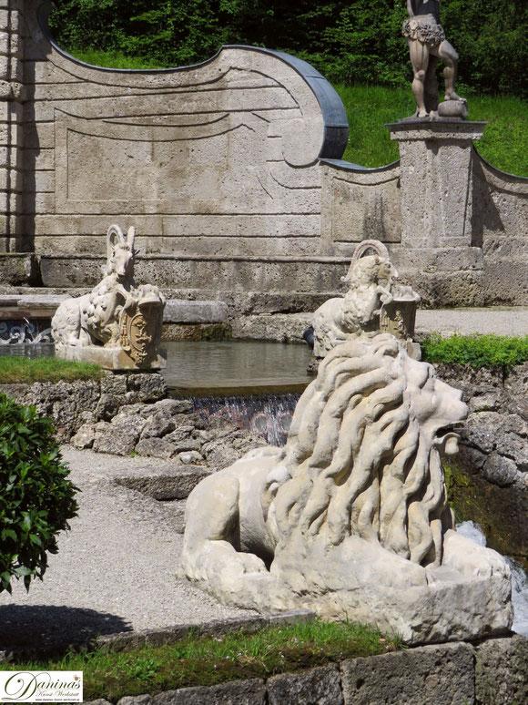 Steinböcken und Löwen am Sternweiher - Hellbrunner Wasserspiele, Salzburg