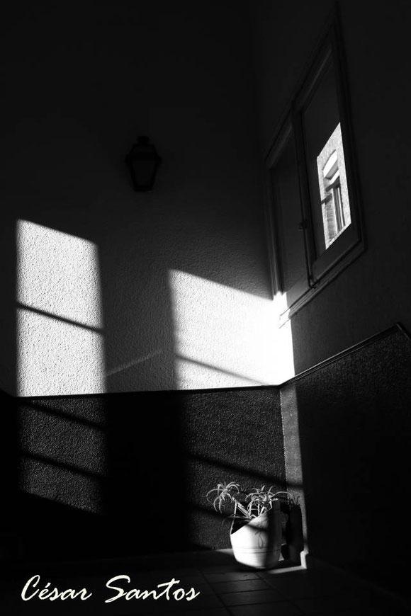 Fotografía de formas geométricas de luces y sombras