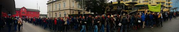 Demo in Dornbirn 2.500 Lehrer/innen und 1.500 Schüler/innen