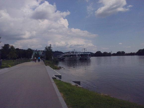Donau Promenade zu Deggendorf