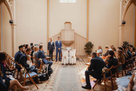 Hochzeit in der Alten Neuendorfer Kirche