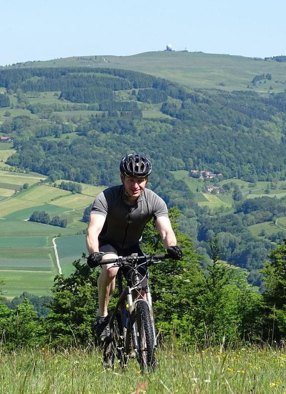 Beim Mountainbiken auf dem Simmelsberg