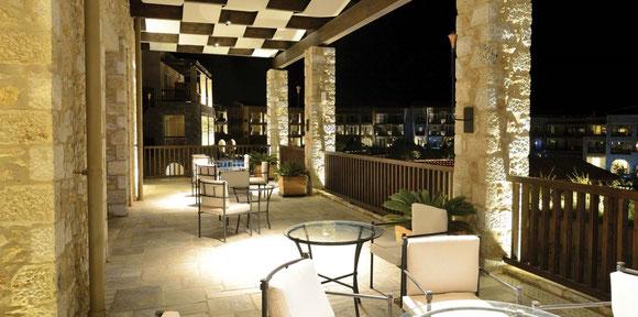 Terrasse bei Nacht mit Heizung
