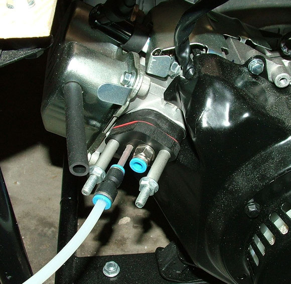 Ansaugtrakt am Motor umgebaut