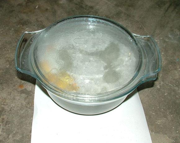 Saucenherstellung 4 - Zutaten in Schüssel abgedeckt (Nanocoating Part4)