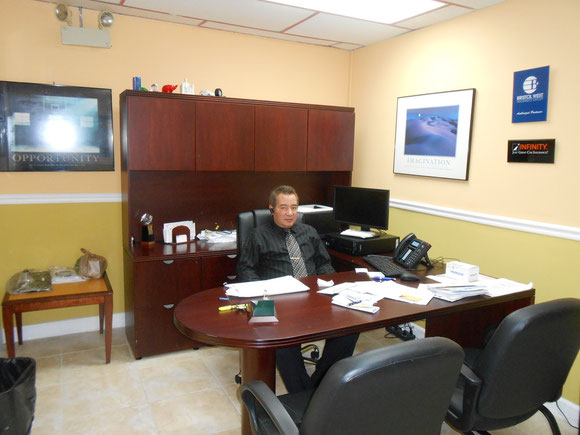 Foto de archivo de 2012, En el local de una empresa con la cual Jorge Ojeda estuvo negociando alianzas de Afiliación.