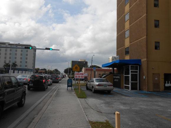 En la Suite 301 de este edificios 4011, hasta enero de 2015 Ojeda Corp. tuvo una Filial (de Censenat Multiservices Corp.)