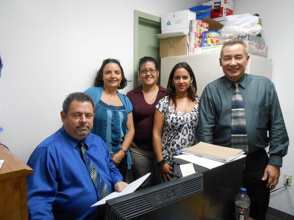 Foto de archivo de 2012. A la derecha, el Presidente de Ojeda Corp. Jorge Ojeda, con exdirectivos y extrabajadores