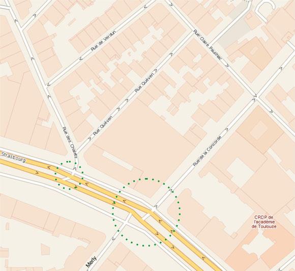 Bd d'Arcole (à gauche), rue des Chalets, rue de la Concorde, bd de Strasbourg (à droite) et rue Merly en bas. Un seul point de croisement si on excepte le tourne à gauche vers la rue des Chalets