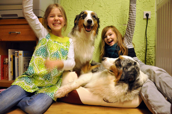Lana - die Schwester und Hundenanny :)))