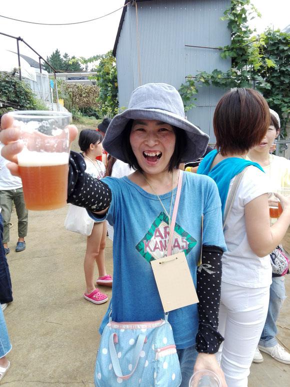乾杯はイチゴ農園ならでは!「いちごビール」!!