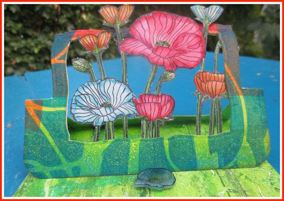 Poppy flying easel card