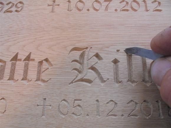 Grabschild aus Holz