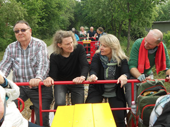 Ausflug mit den Ehrenamtlichen und ihren Partnern: Draisine