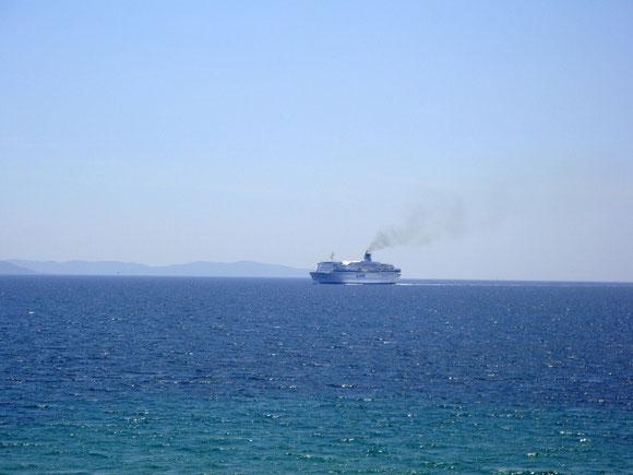 Le Corse arrivant de Nice dans le golfe d' Ajaccio en 2011