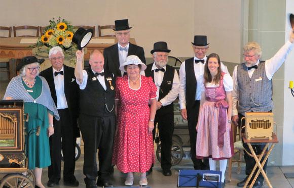 (Bild v li n re) Gertrud Lauber, Lorenz Mathys, Bernhard Wullschleger, Peter Sommerhalder, Heidi Hunziker, Hansueli Lehmann, Markus Bölsterli, Mirjam Schumacher und Roland Schwab