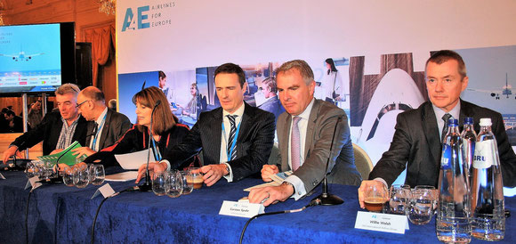 Presented A4E's views at the Aviation Summit (l > r): Michael O'Leary, Ryanair  /  Jean-Marc Janaillac, AF-KLM  /  Carolyn McCall, EasyJet  /  Thomas Reynaert, MD A4E  /  Carsten Spohr, Lufthansa Group  /  Willie Walsh, IAG Group  -  photos: hs