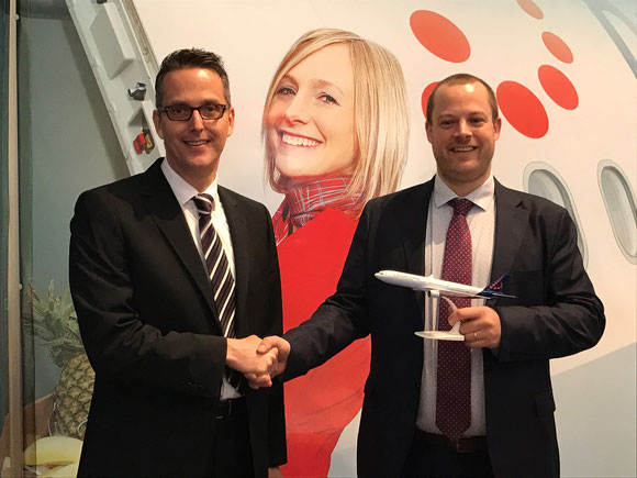 Jettainer's Thorsten Riekert and Pieter Huyghens of Brussels Airlines announced the ULD accord  -  courtesy Jettainer