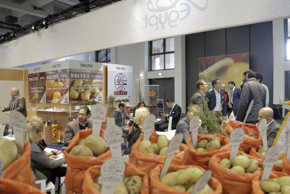 Egyptian perishable traders appeared in large numbers at the recently Berlin-held Fruit Logistica fair  -  photo: Messe Berlin