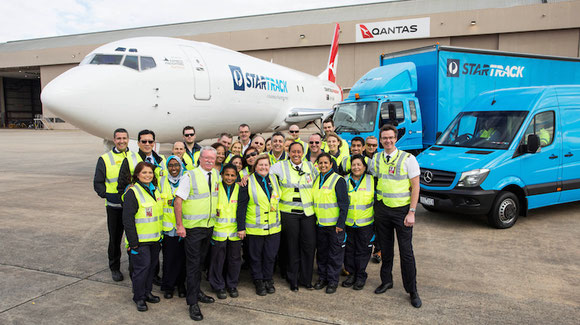 Australia Post staff with new B737-400F