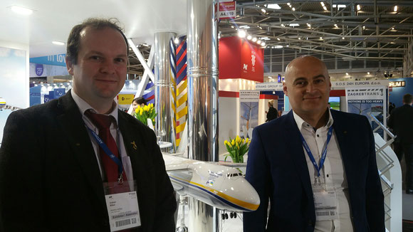 From L > R: Antonov Managers Graham Witton and Oleg Orlov  -  picture: hs