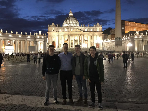 Johannes, P.Lukas, Hannes und Stephan zu Besuch in Rom