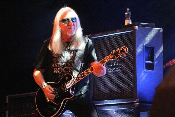 Gitarrist Mick Box brachte als einzig verbliebenes Originalmitglied die Band, als sie schon abgeschrieben schien, wieder auf Kurs. In Ravensburg trat Uriah Heep seit der Bandgründung erst drei Mal auf: 1978, 2008 und 2018.