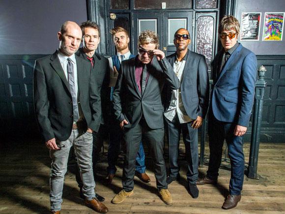"""Dub Pistols sind eine echte Größe der weltweiten Clubszene, die auch gerne auf ganz große Open Airs wie das """"Glastonbury"""" gebucht wird. Die Band aus London ist beim """"Querbeat"""" als Samstag-Headliner gesetzt. Foto: Promo"""