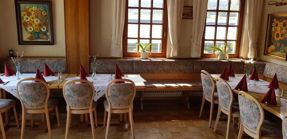 Bistrobereich, Künstlerhaus Lenz, Restaurant in Gladenbach, Restaurant, Gruppenraum, Veranstaltungsraum, Weihnachtsfeier, Geburtstag, Räumlichkeit