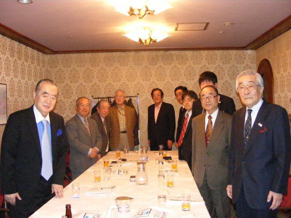 日本記者クラブにおいて