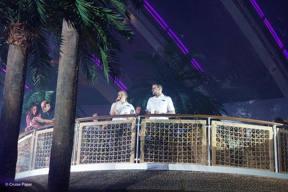 Birte Schattenberg (Entertainment Manager) & Kai Botschek (General Manager) nehmen Abschied von den Gästen