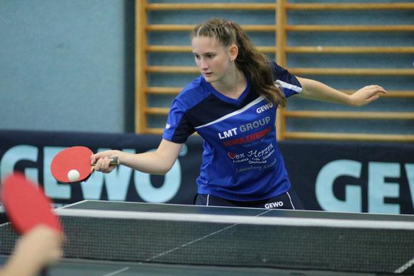 Die 16-jährige Landeskaderathletin Michelle Weber vom TSV Schwarzenbek avancierte bei den Landesmeisterschaften in Wasbek zur erfolgreichsten Teilnehmerin.