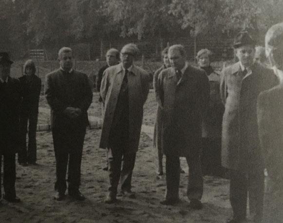 Herren: Paasch, Becker, Hartmann, Dr. von Storch, Rtihrs.