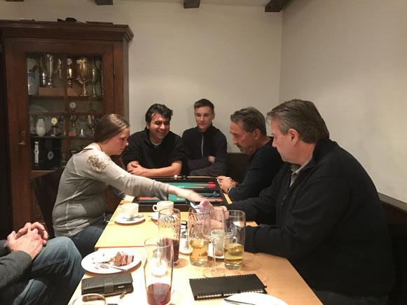 Chouette-Action zu fünft mit Zdenek Zizka als Gewinner in der Mitte