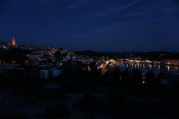 freaky travel, Reisen, TOP 5, Kroatien, Vrsar, Soca Tal, Tour, Toptipps, Camping, Wohnwagen, Ausblick, Sonnenuntergang, Abend, Ruhe, Berg, Tal, Grün, Wald