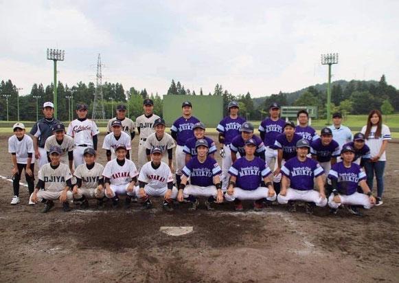 〈写真〉小千谷名球会と小千谷ベースボールクラブUー15の選手の皆さん