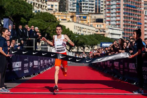 Julien Wanders registra un 5k de 13:29 en Monaco (NN Running Team) © Copyright