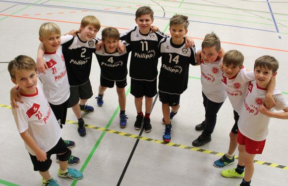 Zusammen eine Mannschaft: Hombrucher und Hörder Kids machen die JSG Westfalia Dortmund gemeinsam stark. (Text/Foto: M. Michaelsen)