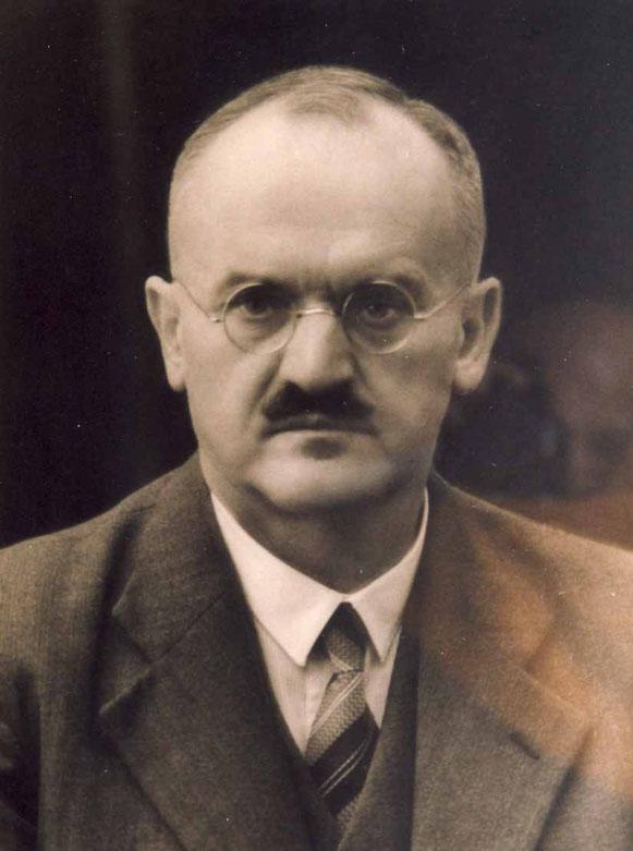 Oskar (1880-1944), Bild von Oskar im Hauptbüro, etwa von 1935.