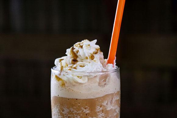 Eiskaffee-mit-Sahne