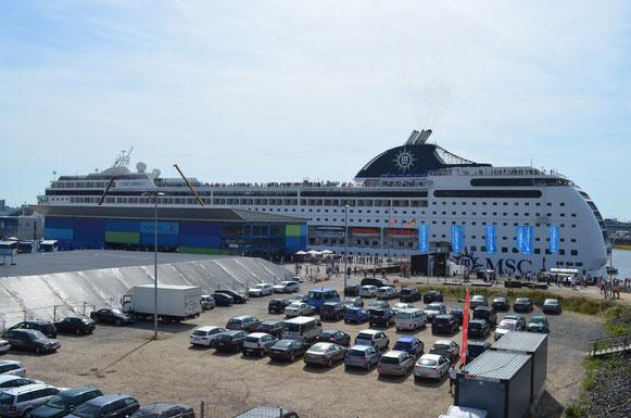 MSC LIRICA am CC Hafencity am 18.08.2012