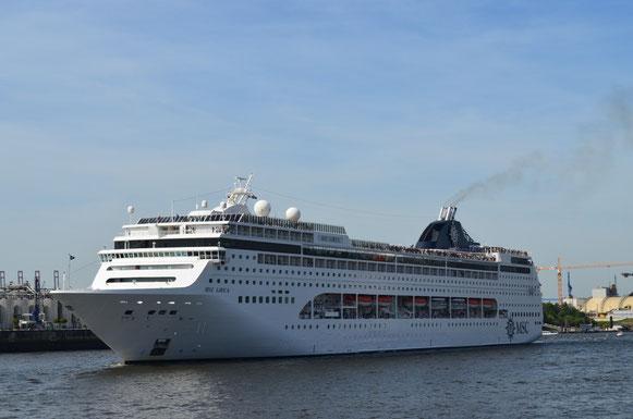 MSC LIRICA in der Hafencity am 18.08.2012