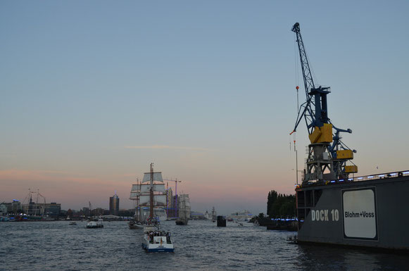 Auslaufparade bei den Hamburg Cruise Days am 18.08.2012