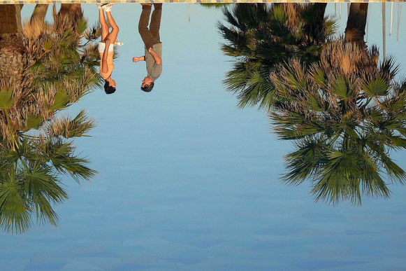 Photographie, couleurs, été, France, port Leucate, reflet, palmiers, rencontre, personnages, Mathieu Guillochon