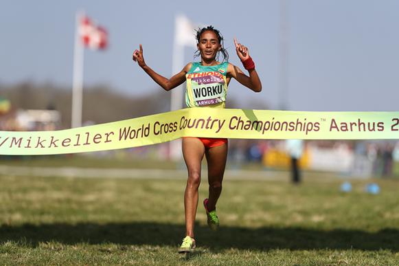 Fantu Worku ancla a Etiopía al oro en el relevo mixto en los Campeonatos del Mundo de Cross Country de la IAAF / Mikkeller Aarhus 2019 (Getty Images) © Copyright