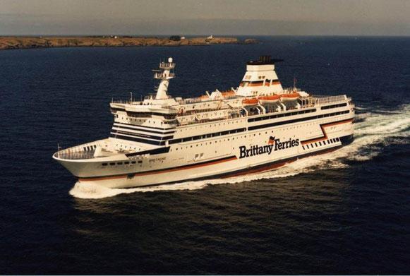 Photographie aérienne de MV Bretagne, quelques mois après sa mise en service.