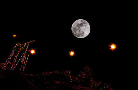 Une photographie lunaire, captée par l'objectif de Christian Bertincourt de passage par le rond-point Galilée de Saint-Genis-Laval