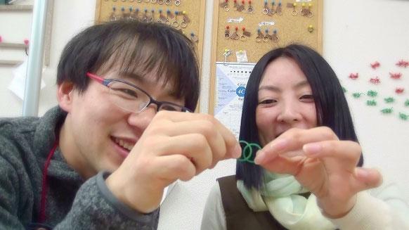 共同作業による手作り結婚指輪
